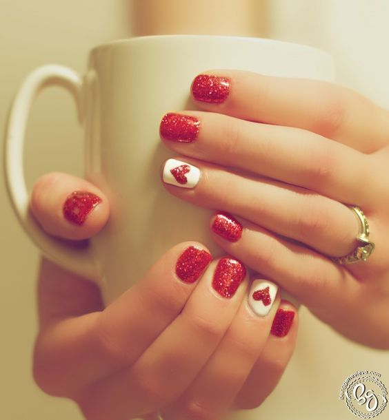 http://nailartbuzz.com/20-pink-nail-art-designs-youll-want-to-copy-immediately/