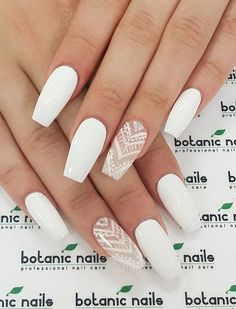 ที่มา : http://www.cuded.com/2016/05/50-white-nail-art-ideas/