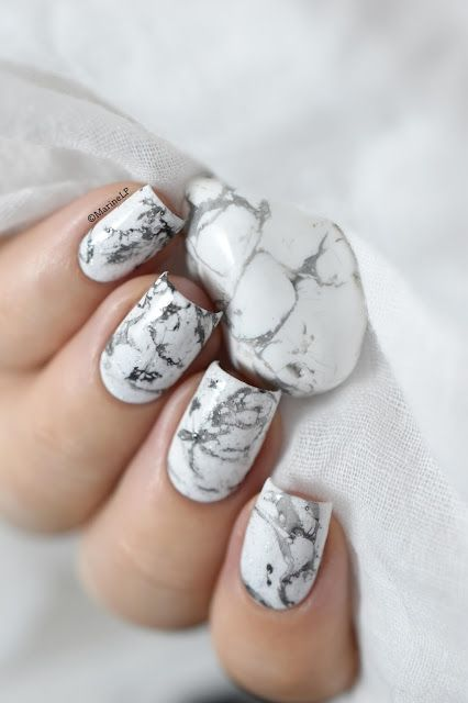 ที่มา : http://www.thefashionspot.com/beauty/534345-7-easy-diy-nail-art-ideas-beginners/?crlt.pid=camp.73mW8NAmPEcC
