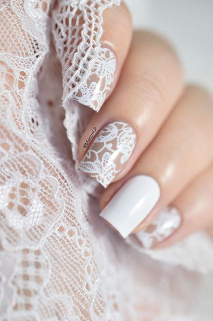 ที่มา : http://www.bringyourideastolife.com/19-beautiful-nail-designs-need-see/17/